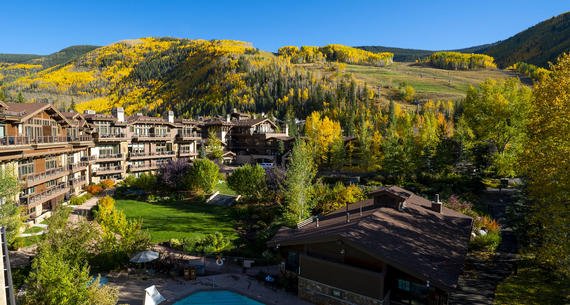 manor vail lodge and mountains